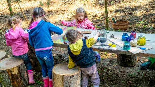Kindergarten in der Natur – Foto