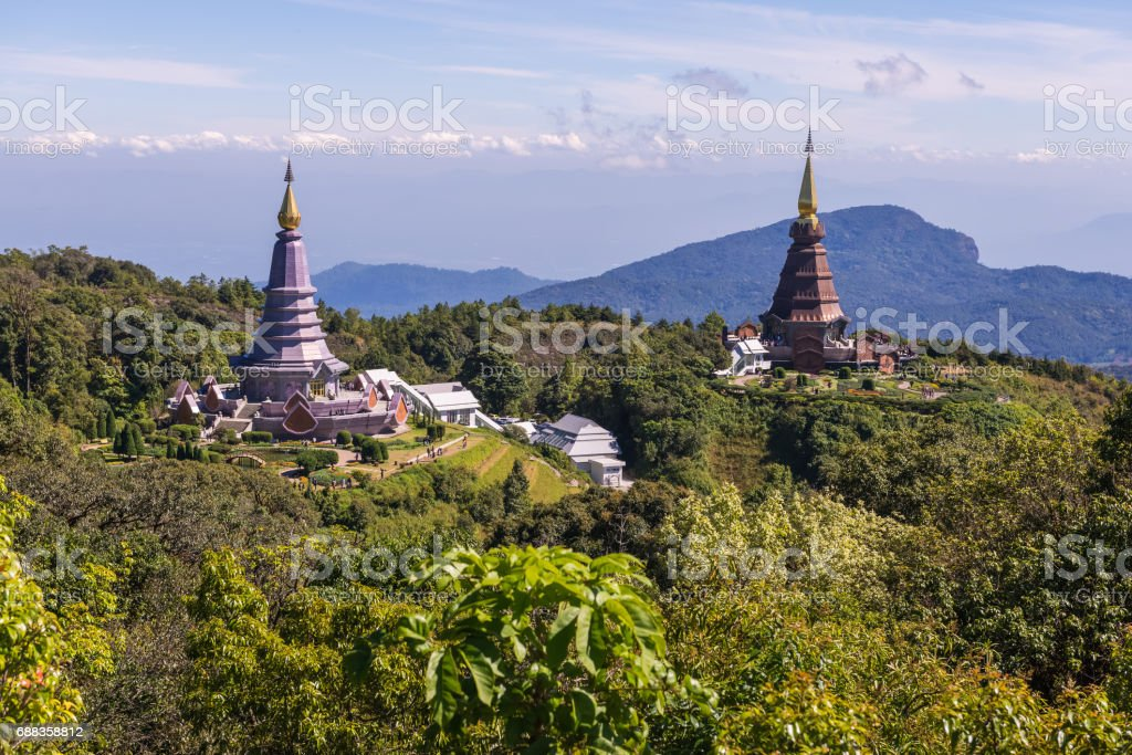 King and Queen pagoda in front of lined mountain with blue sky cloud ,Kio Mae Pan ,Doi Inthanon, Chiang Mai ,Northern Thailand stock photo