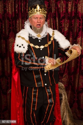 istock King's message 521321939