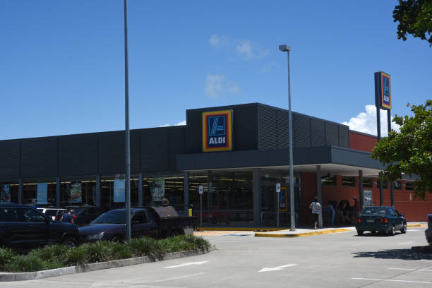 Kippa-Ring, Queensland, Australia: Supermercado Aldi - foto de stock