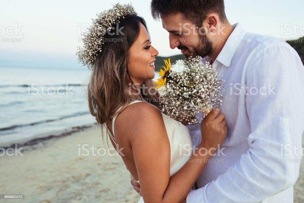 Kuss am Strand – Foto