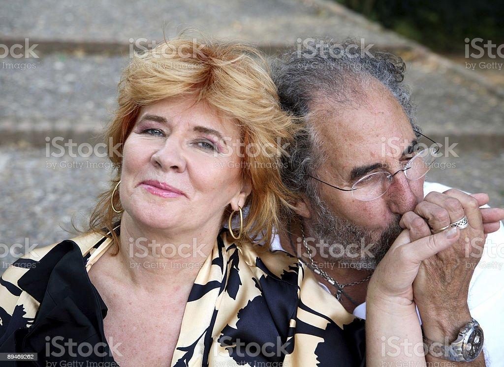 Beso en la mano. foto de stock libre de derechos