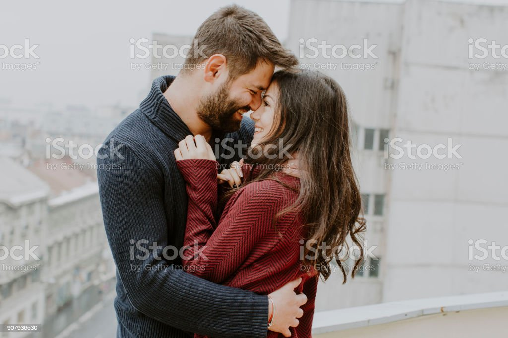 Kissing couple - fotografia de stock
