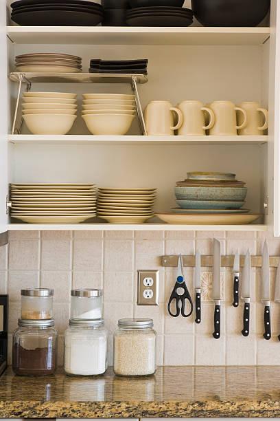 küche schrank - offene regale stock-fotos und bilder