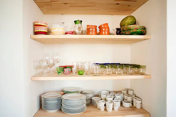 küche schrank - küchenorganisation stock-fotos und bilder