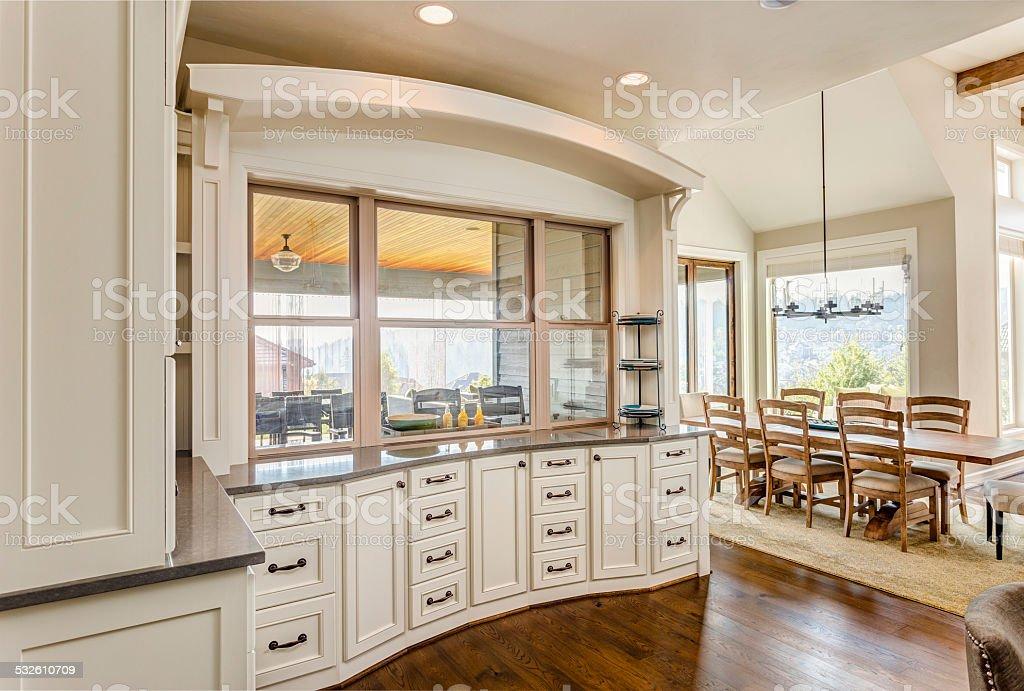 Armadi Da Cucina E Sala Da Pranzo Nella Nuova Casa Di Lusso