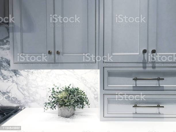 Kitchen cabinets picture id1134845692?b=1&k=6&m=1134845692&s=612x612&h= ok93vyx9bybxq6q euwd yleyfmp1wcg9owqtbw1hs=