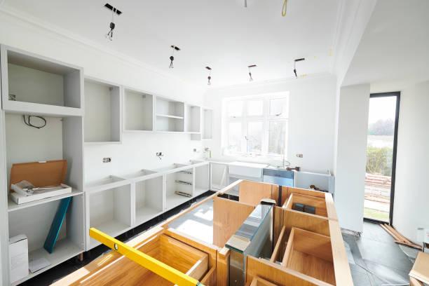 kök installera framsteg - husutbyggnad bildbanksfoton och bilder