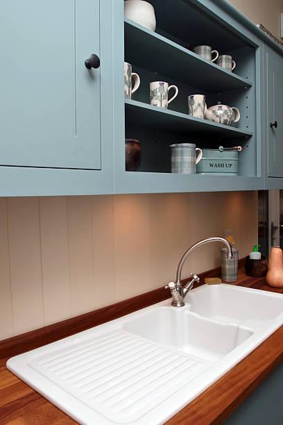 innenbereich des kitchen - hellblaues zimmer stock-fotos und bilder