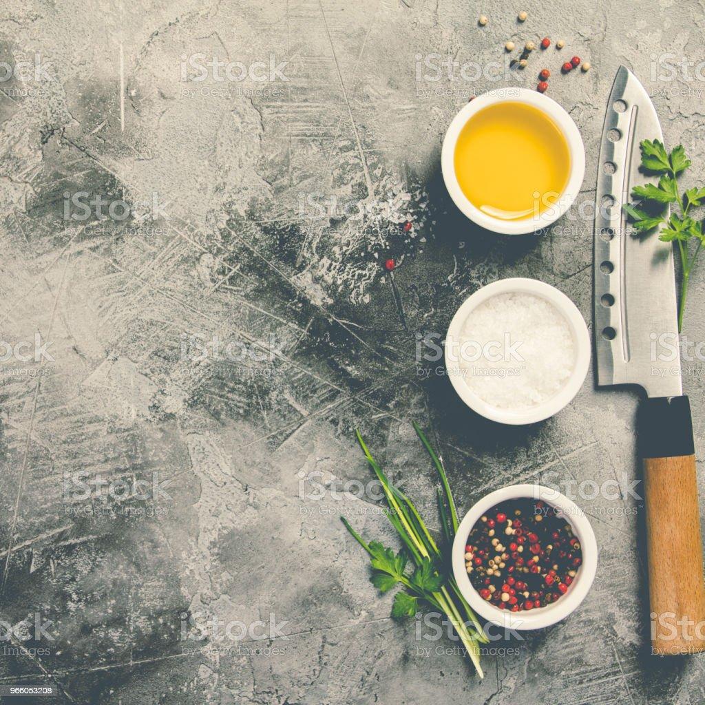 Kökskniv och kryddor - Royaltyfri Asien Bildbanksbilder