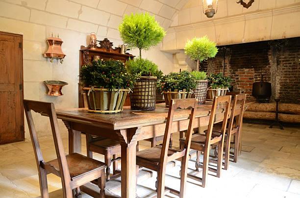 ausgestattete küche - landhausstil küche stock-fotos und bilder