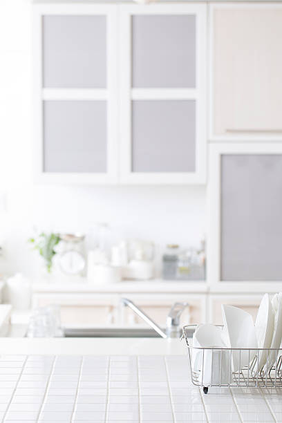 ausgestattete küche  - anrichte weiß stock-fotos und bilder