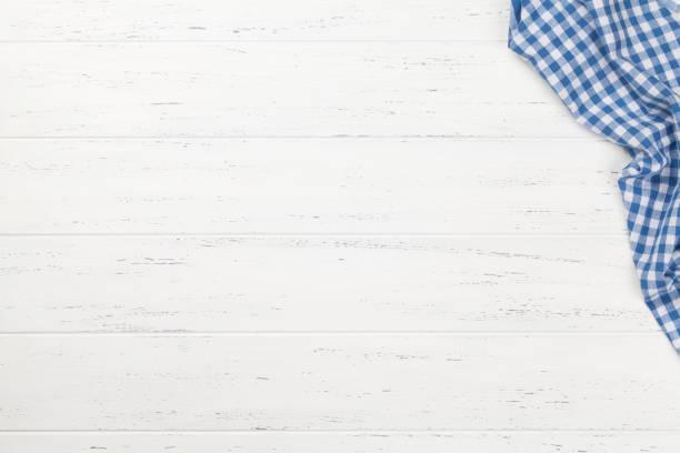 Küchentisch mit Tischdecke – Foto