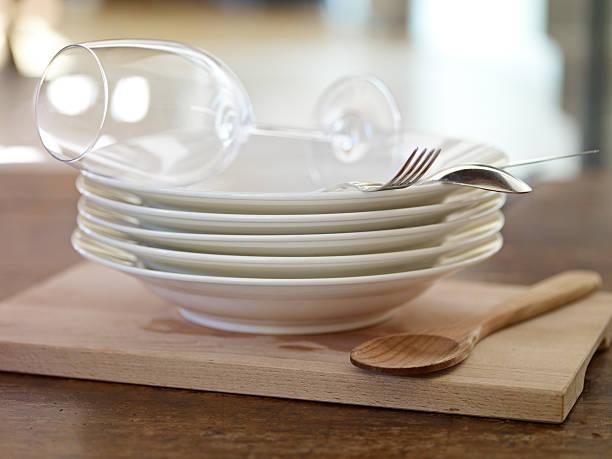 küchenzubehör - glaswaschtisch stock-fotos und bilder
