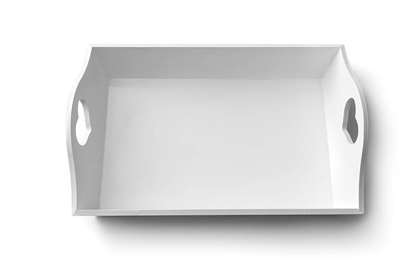 küchenutensilien: tablett oder küchenblech - tablett holz stock-fotos und bilder