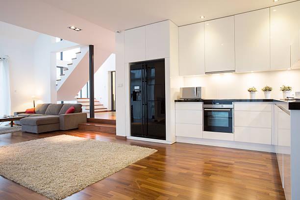 küche und wohnzimmer - exklusive mode stock-fotos und bilder