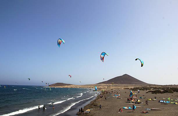 Kite boarding en Tenerife - foto de stock