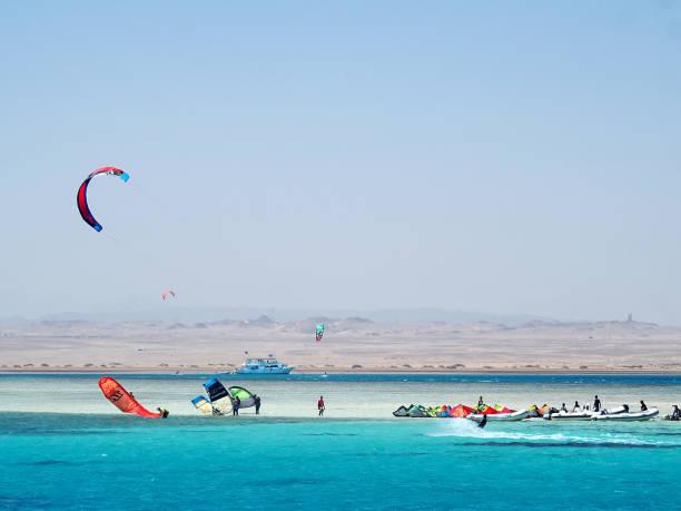 kitesurf camp - kitesurfen lernen stock-fotos und bilder
