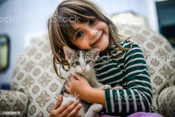 Kitten and kid picture id1056088376?b=1&k=6&m=1056088376&s=612x612&h=2rvebh wqdzsxvqjmdp4lx vkzjkd2sdt2kces jtns=