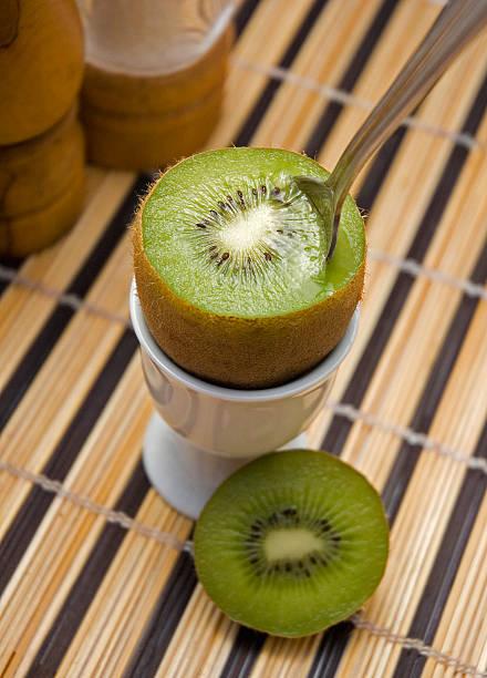 Kiwi für Frühstück – Foto