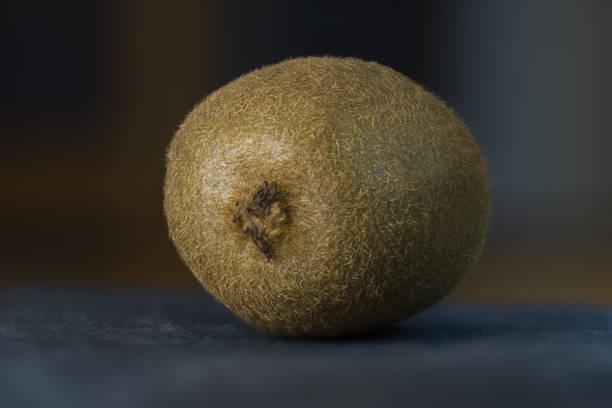 Kiwifrucht auf dem Schiefer Tablett – Foto