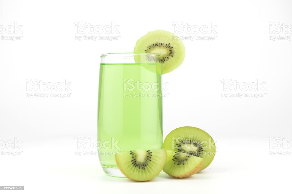 Kiwi juice isolated on white background foto de stock libre de derechos