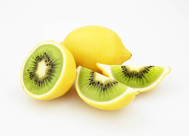 kiwi oder zitrone - zitronenspeise stock-fotos und bilder