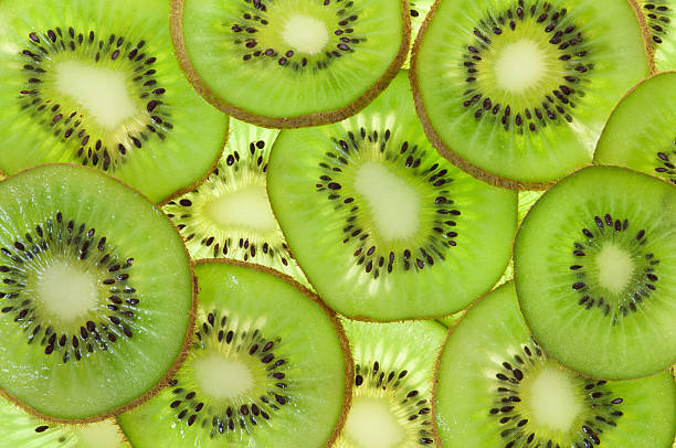 kiwi - frutto kiwi foto e immagini stock
