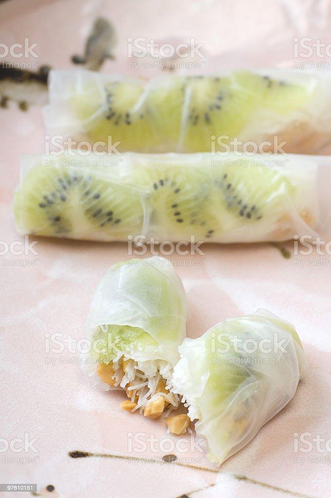 Kiwifruit Summer Roll royaltyfri bildbanksbilder