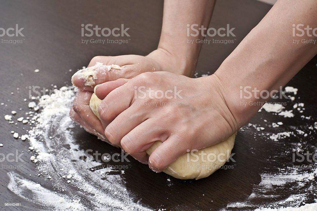 Kneading dough - Royalty-free Bakken Stockfoto