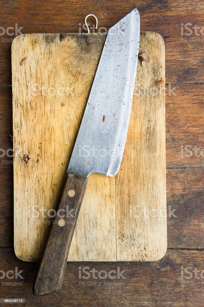 Messer schneiden auf einem Holzbrett Lizenzfreies stock-foto