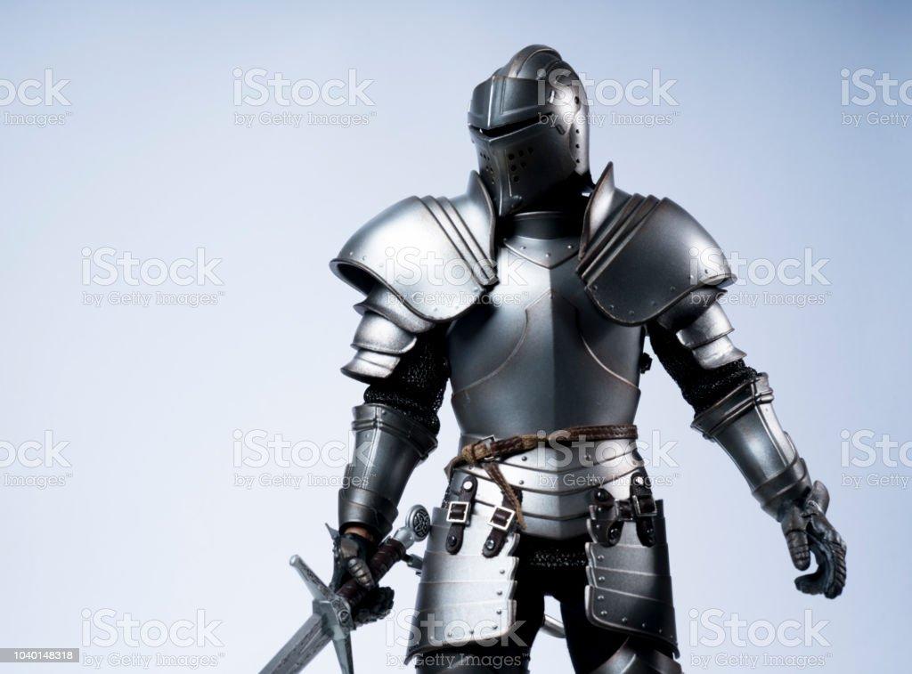 銀鎧の騎士 - よろいのストックフォトや画像を多数ご用意 - iStock