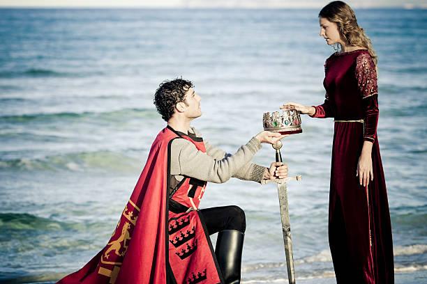 knights honor - prinzessinnenstil stock-fotos und bilder