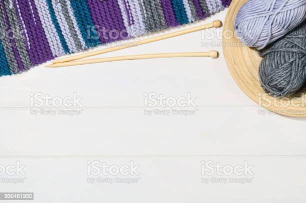 Knitting accessories top view on white wooden background picture id930461930?b=1&k=6&m=930461930&s=612x612&h= fpzf 7nrhnvegnkfldldyqhmccm5hgbtitmsbk57gg=