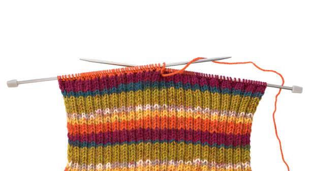 毛絲針針織圖案在白色的彩色隔離 - 針織品 個照片及圖片檔