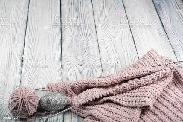 Knitting wool and knitting needles ball of wool with spokes for on picture id690871702?b=1&k=6&m=690871702&s=612x612&h=cel251qvseacxcbbo4kad7tbd2j zgkn3t9 3jr1xxi=