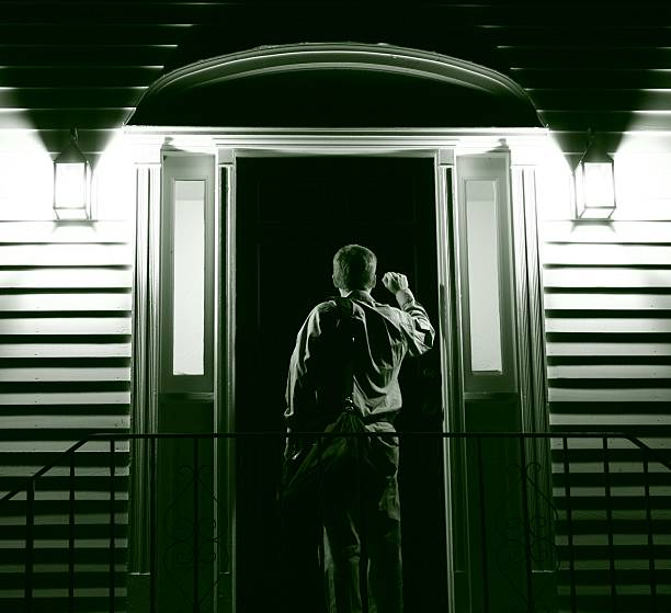 227 Stranger At Door Stock Photos, Pictures & Royalty-Free Images - iStock