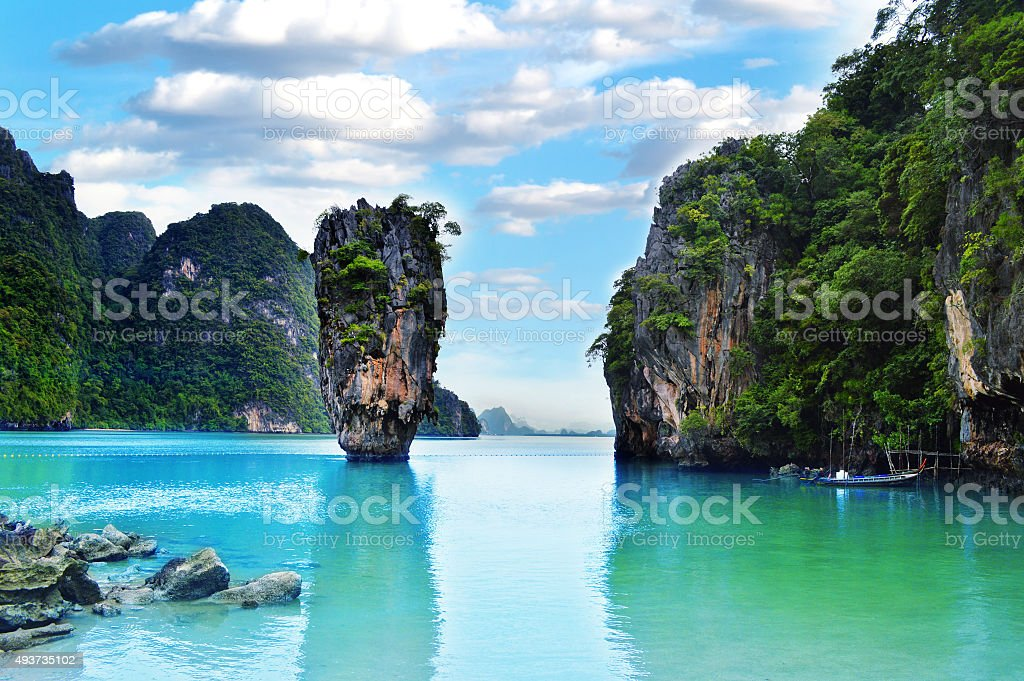 Ko Tapu rock en isla de James Bond, Tailandia - foto de stock