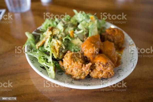 Palline Kofta Con Insalate - Fotografie stock e altre immagini di Alimentazione sana