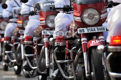 istock Kolkata police traffic sergeant 1325402852