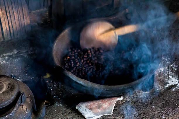 Kopi luwak coffee beans in indonesian coffee roastery old traditional picture id1127977996?b=1&k=6&m=1127977996&s=612x612&w=0&h=lgfjtj327reqg1d8qb29oxhos0tat6bq9uqsiz3ghoa=
