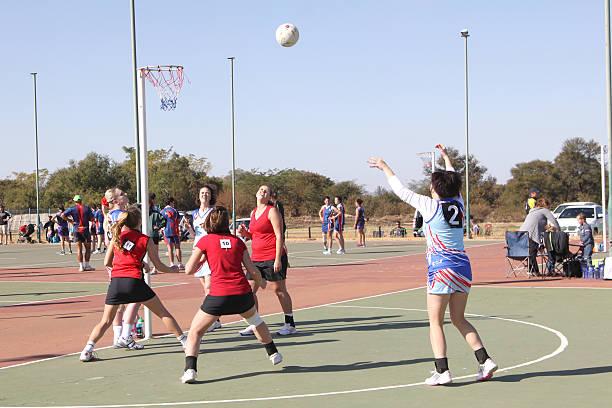 korfball league ladies games - netball stockfoto's en -beelden