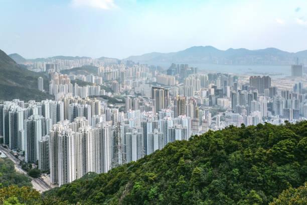 kowloon blick von lion rock hill in hong kong - kowloon stock-fotos und bilder