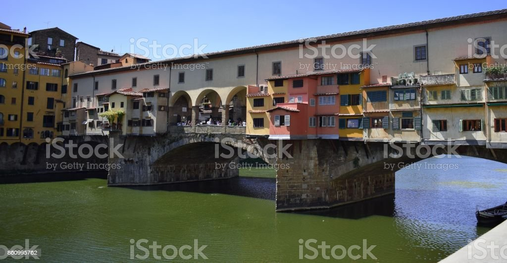 Köprüdeki muazzam evler stock photo