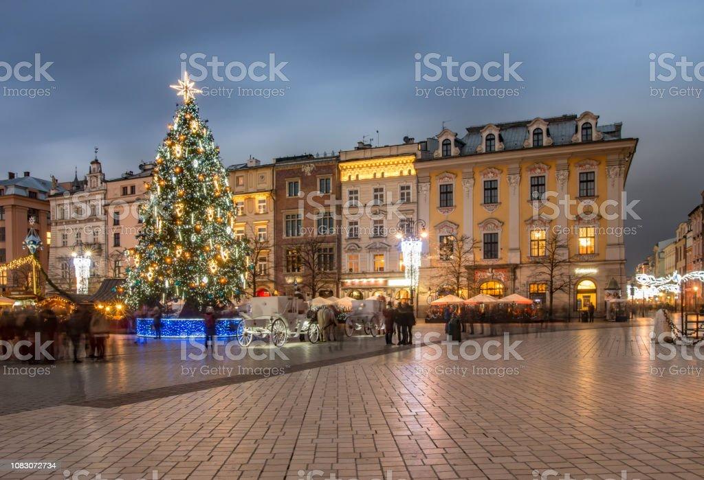 Krakau, Polen, Weihnachtsbaum auf der Altstadt – Foto