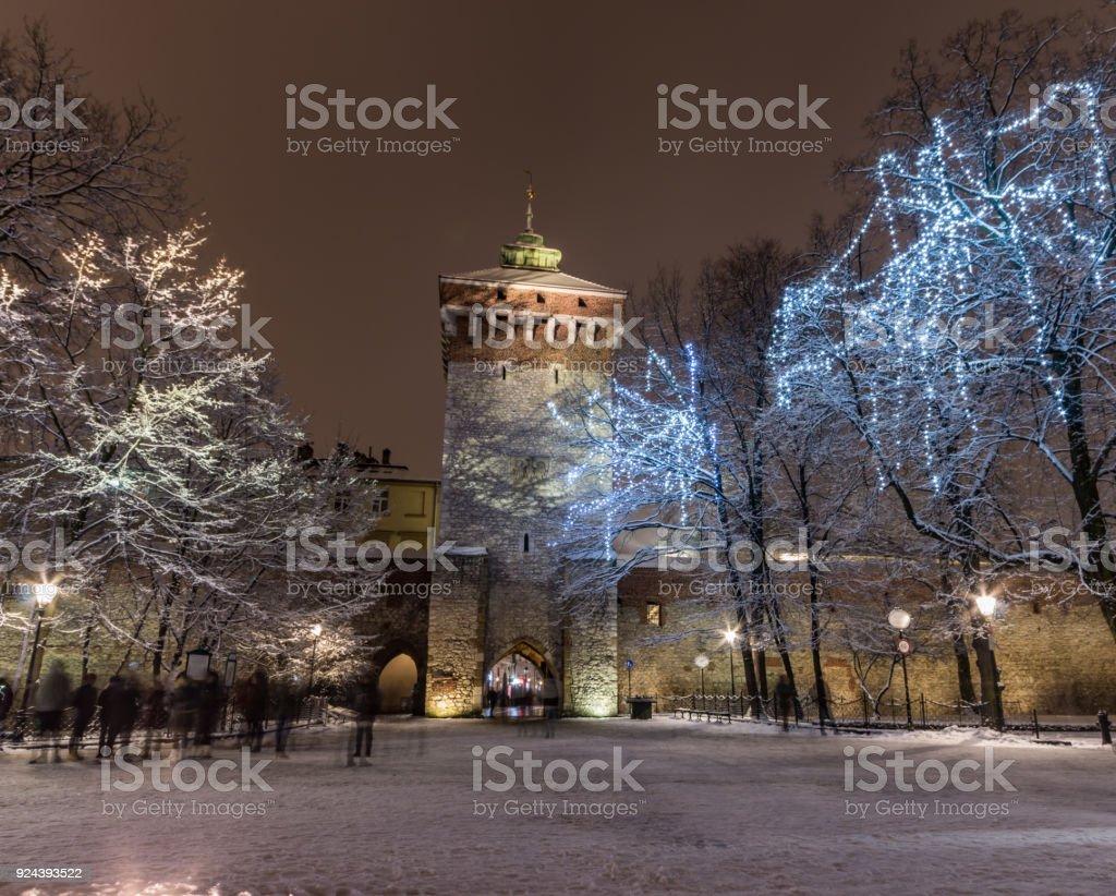 Krakau, Polen, Stadtmauern und Florianstor, Winternacht – Foto