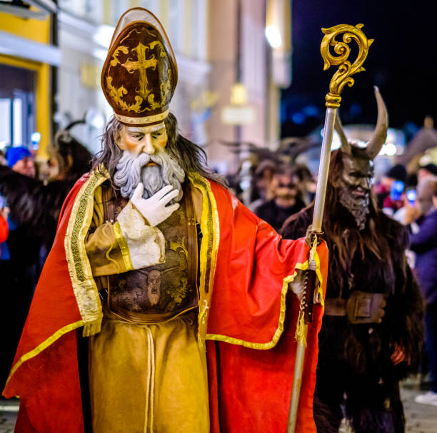 krampuslauf à bad toelz - bavière - saint nicolas photos et images de collection