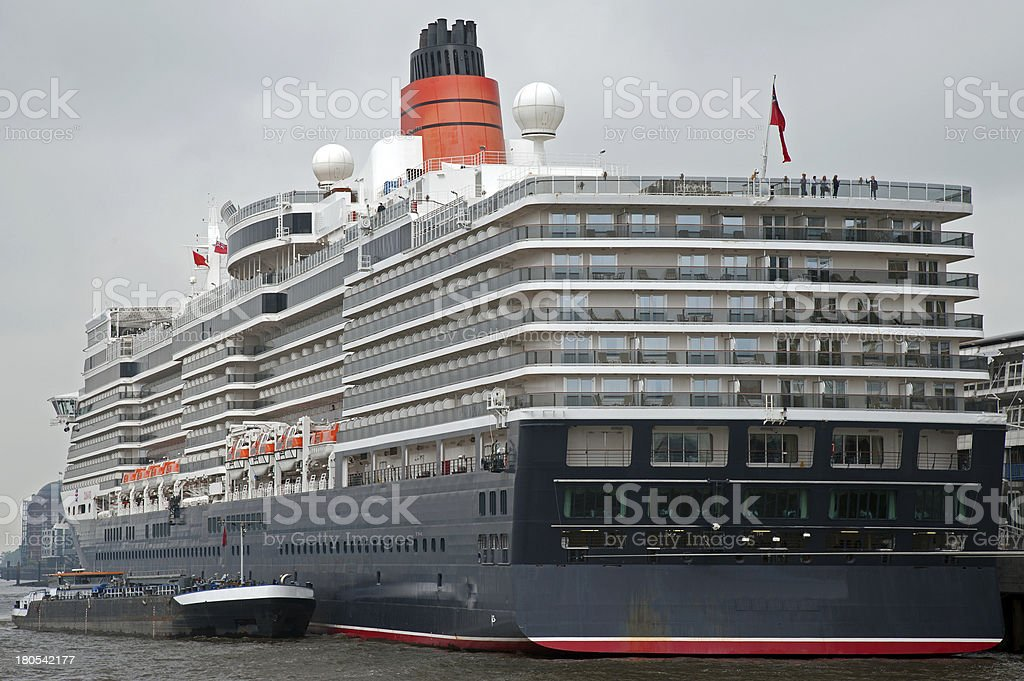 Kreuzfahrtschiff im Hamburger Hafen 2012 stock photo