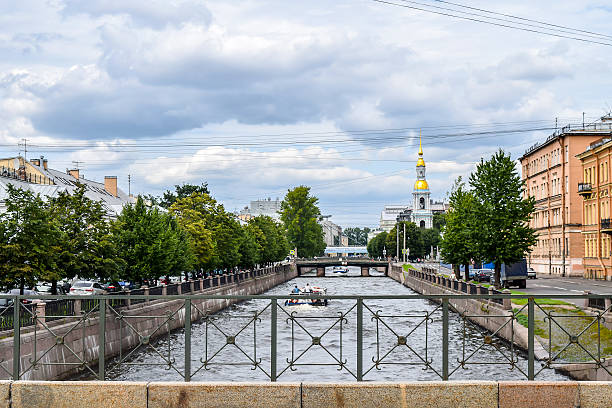 kryukov canal in st. petersburg. - peterhof stockfoto's en -beelden