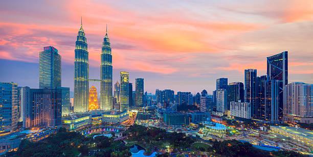 콸라룸푸르 스카이라인 황혼 - 쿠알라룸푸르 뉴스 사진 이미지